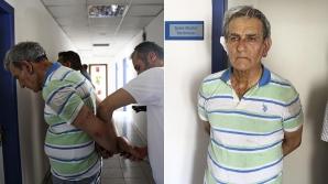 Generalul Akin Ozturk apare în fotografiile publicate de presa guvernamentală cu răni pe cap şi pe corp.