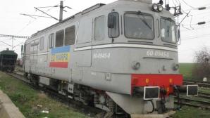 Accident feroviar în Arad. O locomotivă a lovit o un tren cisterne pline cu motorină