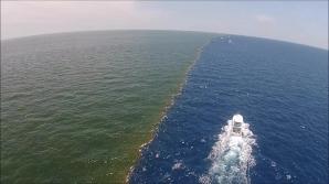 Imaginea APOCALIPSEI! Marea se desparte în două. VIDEO