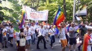 Membrii comunităţii LGBT ies miercuri seară în stradă, ca reacţie la decizia CCR