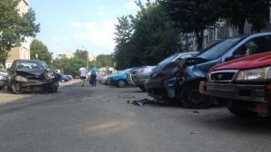 Argeş: Un tânăr de 19 ani a fost reţinut după ce a lovit cu maşina cinci autoturisme