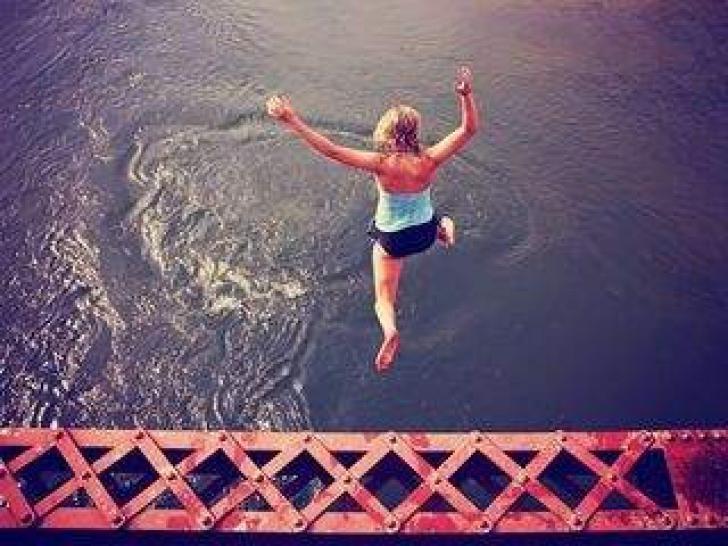 Top 10 lucruri pe care trebuie obligatoriu să le faci cât încă mai ești tânăr