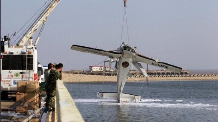 Cinci morţi, după ce un hidroavion s-a lovit de un pod în Shanghai