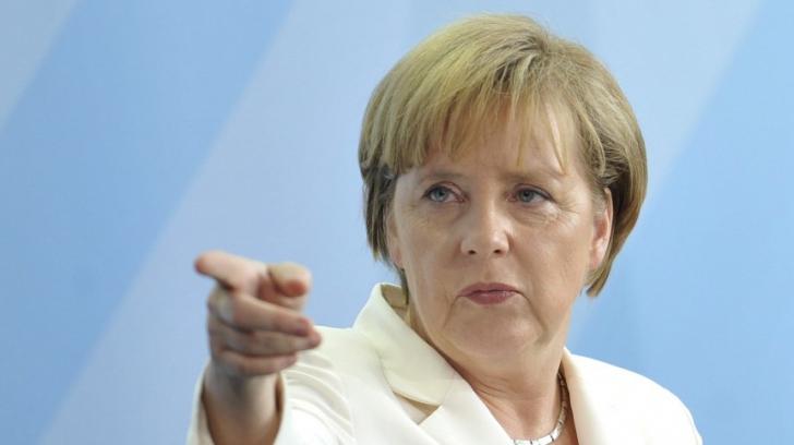 Merkel condamnă puciul din Turcia, dar cere ca puciştii să fie trataţi corect