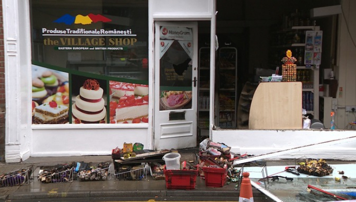 Magazin românesc incendiat la Norwich, în estul Angliei