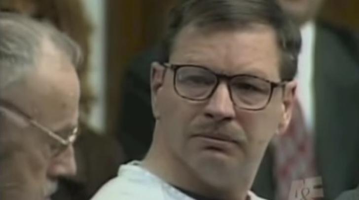 Un CRIMINAL n-a arătat niciun fel de remuşcare până când acest BĂTRÂN nu i-a spus ASTA în faţă