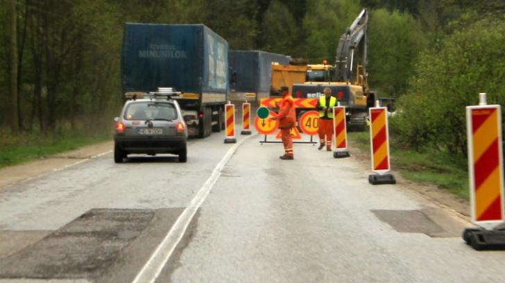 <p>Circulaţia rutieră pe Valea Oltului, închisă duminică. Ce recomandă şoferilor Poliţia Română</p>