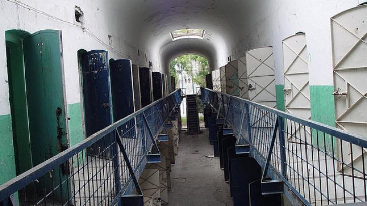 Zece deținuți au evadat dintr-o închisoare din Mexic. Trei au plecat cu taxiul