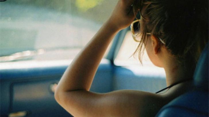 Pleci la drum în weekend? Iată ce să faci dacă ai rău de maşină. Cel mai simplu leac!