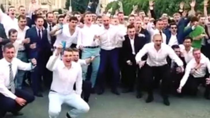 Zeci de viitori spioni ruși s-au deconspirat sărbătorind în public intrarea în FSB