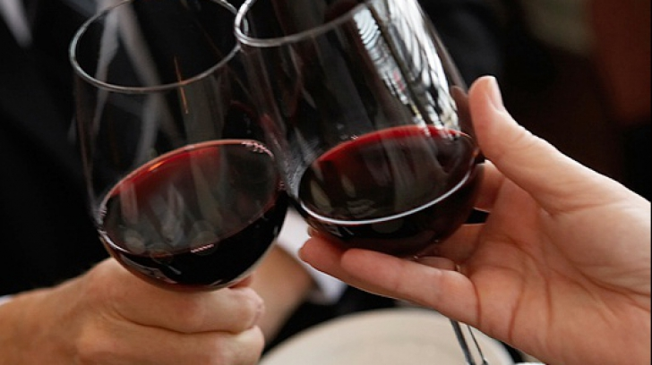 Greșeala pe care ai făcut-o toată viața când ai băut vin