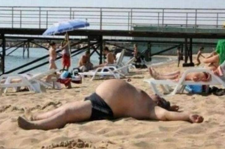 Aşa ceva nu ai mai văzut! Cum au putut să se fotografieze pe plajă