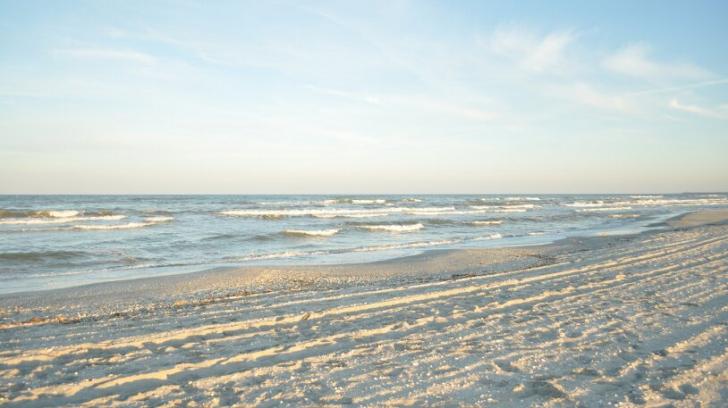 O plajă din România, pe locul 4 în TOPUL celor mai frumoase din lume