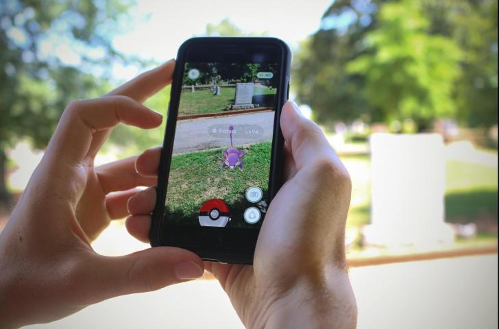 Cum reușește un om de afaceri să câștige milioane de lire sterline datorită jocului Pokemon Go