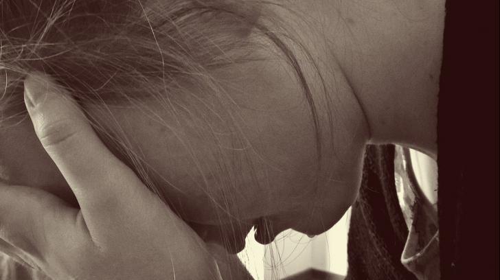"""A primit o scrisoare de la profesoara fiului ei. Când a citit-o, a plâns în hohote. """"Este degradant"""""""