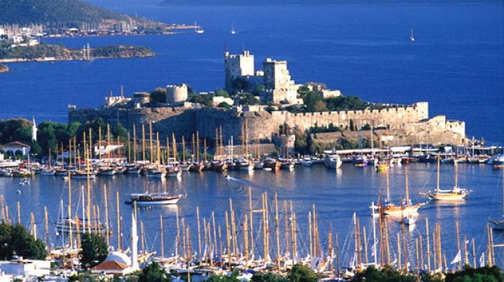 Lovitură dură pentru economia Turciei. Numărul turiștilor străini a scăzut masiv
