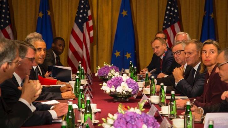 NATO întăreşte prezenţa militară în România şi va menţine trupele în Afganistan
