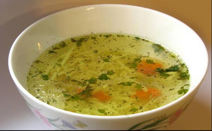 Aşa se prepară mai delicioasă supă de pui. În 30 de minute este gata