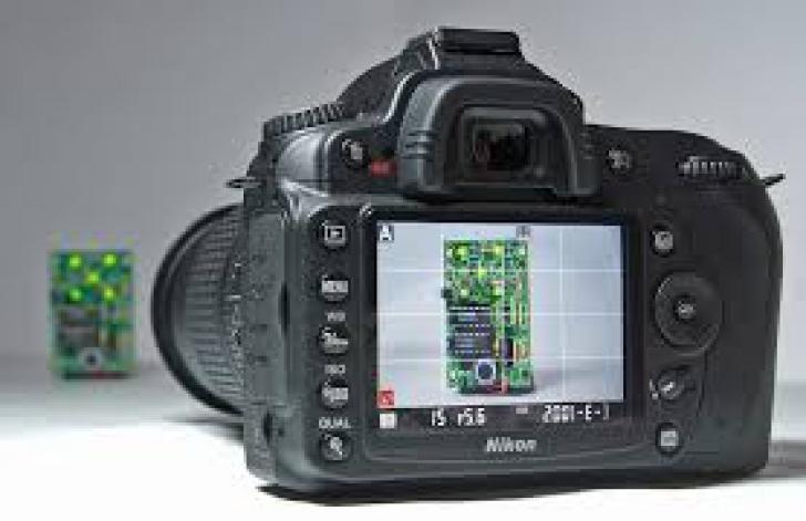 YellowStore – Lista aparatelor foto Nikon DSLR, la promotie. Preturile incep de la 1800 de lei