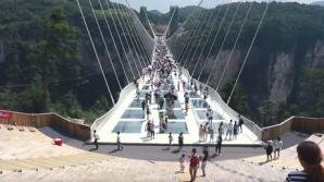 Podul de sticla din China