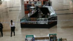 Atac sângeros într-un mall din Londra. Politiştii sunt în alertă maximă