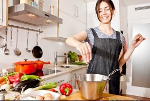 Cea mai mare greşeală pe care o facem în bucătărie: este una din cauzele cancerului