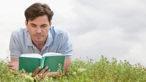 Persoanele care citesc zilnic trăiesc mai mult - studiu