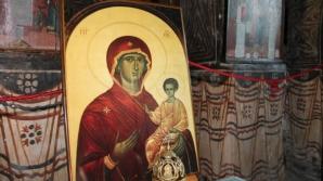 Sfânta Maria, tradiţii şi superstiţii. Azi se culege ultima plantă de leac.Ce să faci ca să ai noroc