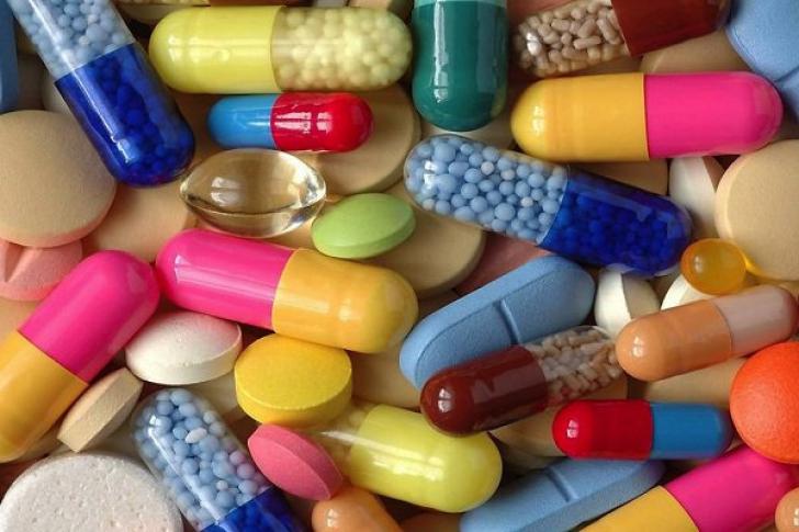 Farmaciştii au dezvăluit misterul. De ce au pastilele culori diferite la aceeaşi capsulă