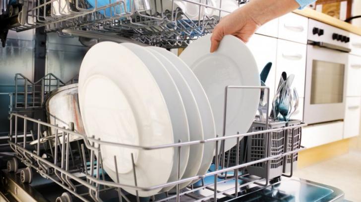 Mașina de spălat vase, mai dăunătoare decât crezi. Iată motivul incredibil!