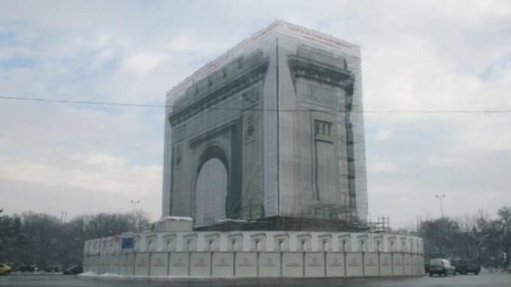 Lucrările la Arcul de Triumf, sistate de două luni. Restaurarea trebuia terminată din primăvară