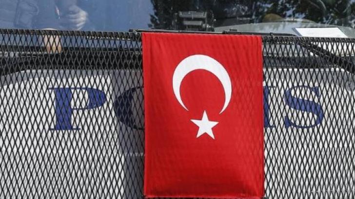 Turcia prelungeşte starea de urgenţă cu încă trei luni