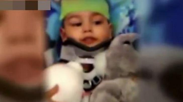 Şocant! A încercat să îşi ucidă fiul de doi ani provocând un accident de maşină. Motivul e ireal