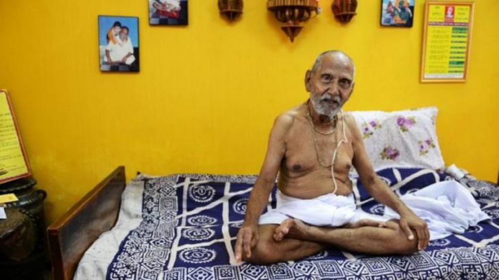 Călugăr în vârstă de 120 de ani: Secretul longevităţii este...