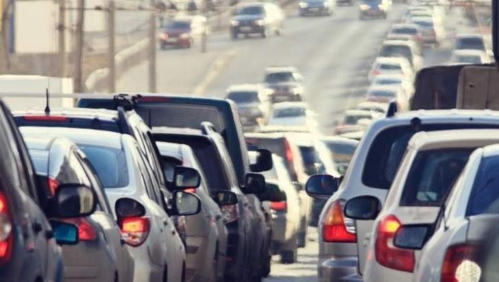 Circulaţie îngreunată pe autostrada A1: coloană de maşini de aproape 3 km!