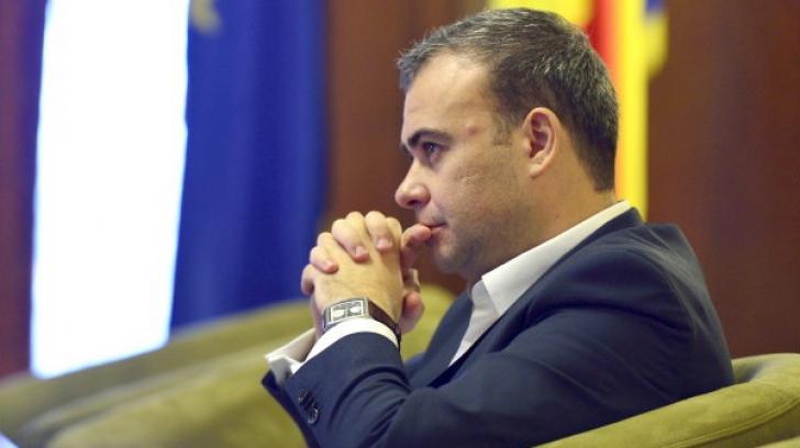 Fostul ministru de Finanţe Darius Vâlcov scapă de controlul judiciar