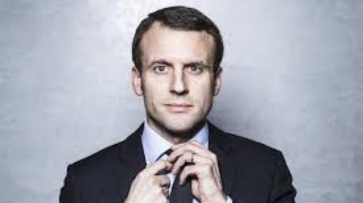 Doi miniştri din Guvernul francez au demisionat. Unul dintre ei ar putea candida la prezidenţiale