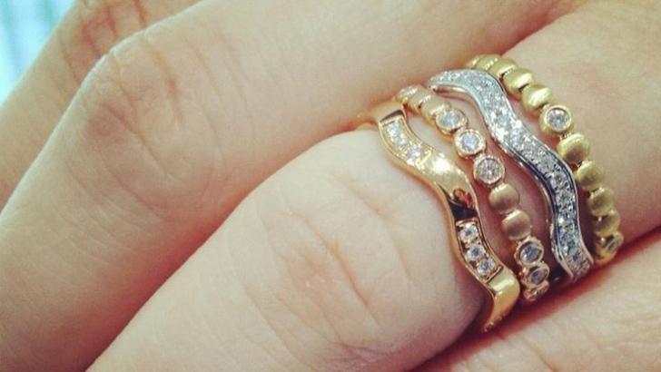 Ai bijuterii din aur? După ce vei citi asta, nu le vei mai purta
