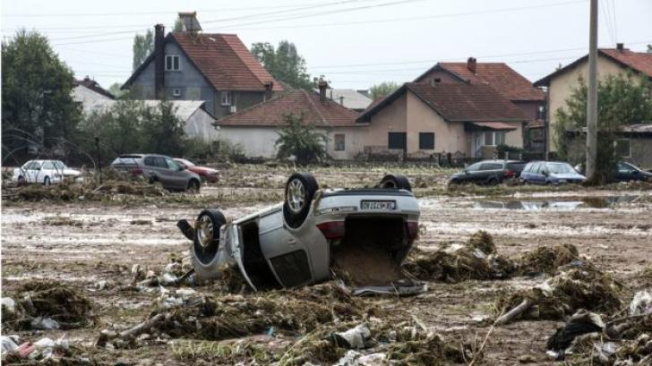 Dezastru în Macedonia: 21 de morţi, după furtunile violente din Skopje. Luni, doliu naţional