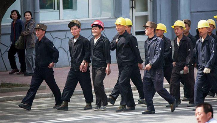 Adevăr înfiorător: ce li se dă muncitorilor nord-coreeni, ca să lucreze mai mult și mai repede