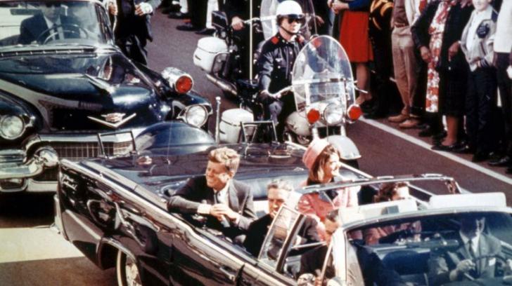 Adevărul despre asasinarea lui JFK. Fostul său angajat a mărturisit tot regizorului Oliver Stone