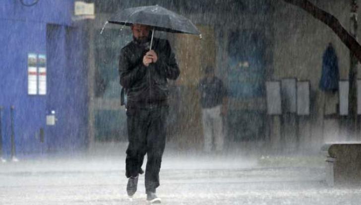 Informare meteo, actualizată de meteorologi. Ploile se extind şi în alte regiuni