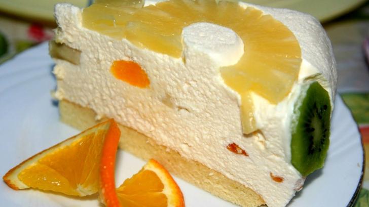 Ai un sărbătorit în familie de SF MARIA? Pregăteşte-i un tort diplomat! Reţeta simplă