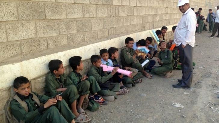 Raid aerian asupra unei şcoli din Yemen. Zeci de copii au murit