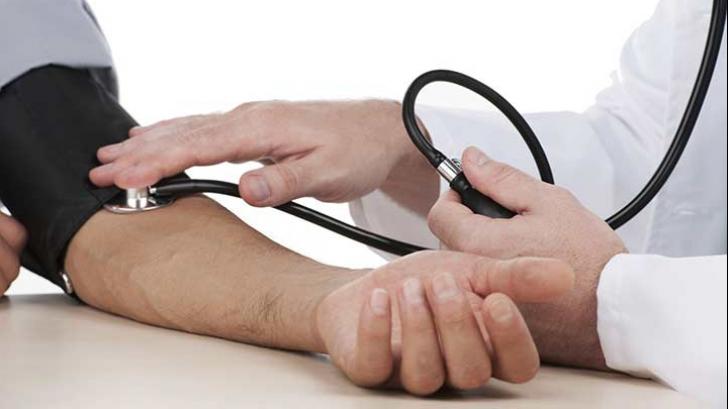 Cum reduci tensiunea arterială în doar cinci minute, fără medicamente