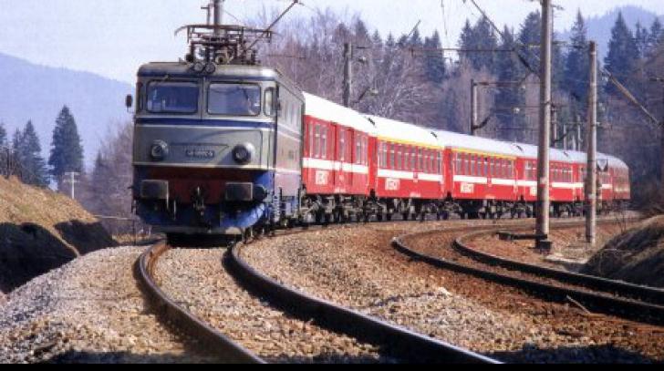 Accident feroviar în Brașov! Un tren personal a lovit o bovină și a deraiat