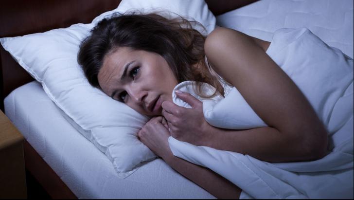 Prima oră după ce te trezeşti îţi poate strica ziua. Opt moduri cum să începi ziua cu energie