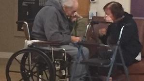 Sfâşietor! Aceşti bătrânei, căsătoriţi de 62 de ani, sunt forţaţi să se despartă. Motivul incredibil