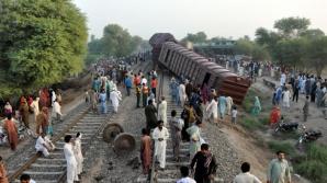 Accident grav de tren în Pakistan. 6 morţi şi 150 de răniţi