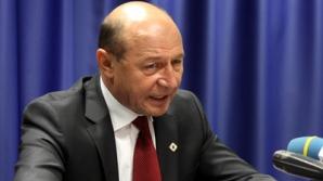Băsescu după demisia lui Oprea: Iohannis utilizează excesiv strada pentru a-şi atinge obiectivele